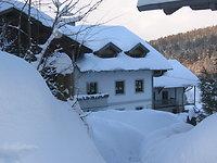 Der Winter ist in der Bergidylle eingekehrt
